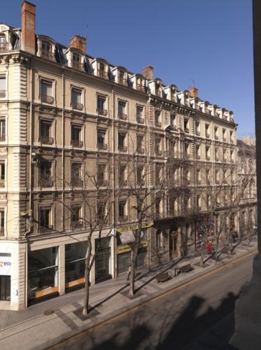 Elévation ouest du Grand Hôtel, depuis la Bourse de Commerce