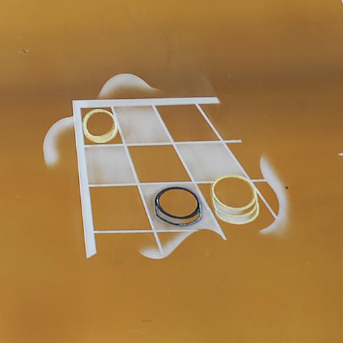 Détail d'un miroir gravé : jeu de dames