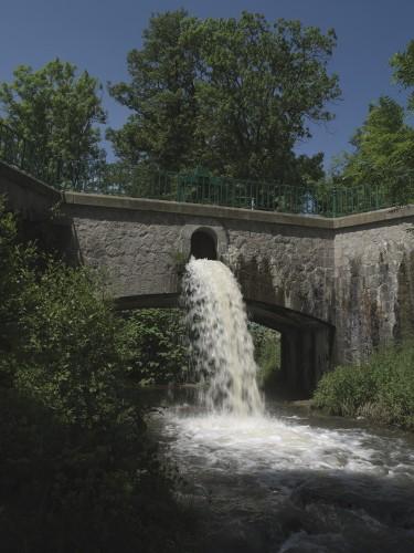 Pont-canal enjambant le Moingt (Moingt).