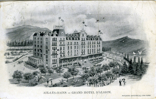 Publicité du Grand Hôtel d'Albion situé au centre ville. Vers 1920. © Archives municipales d'Aix-les-Bains.